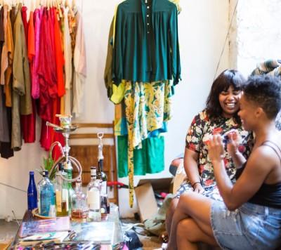 Angela Denae - Style through sustainable wardrobe capsules