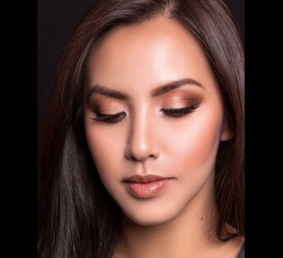 Alyan Sajulga - I want to see the skin of the person & not the makeup. I offer sophisticated makeup for the woman who seeks to truly look the better version of herself.   Whether the event calls for elegant & timeless or dramatic & bold, I will ensure you look your best.